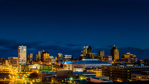 city urban skyline wisconsin architecture night downtown unitedstates milwaukee bluehour 2013