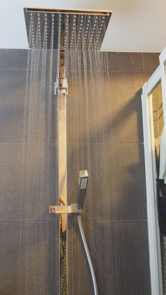 Eurocube shower system 230 thermostatic mixer with Aquadimmer and matching handshower