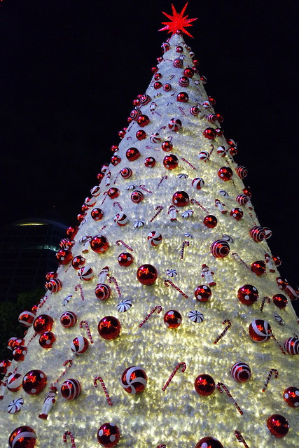 Christmas Tree at Orchard Ion