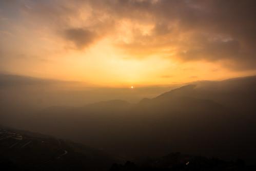 sunset sky sun mountains clouds landscape golden farm taiwan 南投 风景 日落 云 天空 qingjing 台湾 nantou 太阳 金色 山脉 群山 清境农场