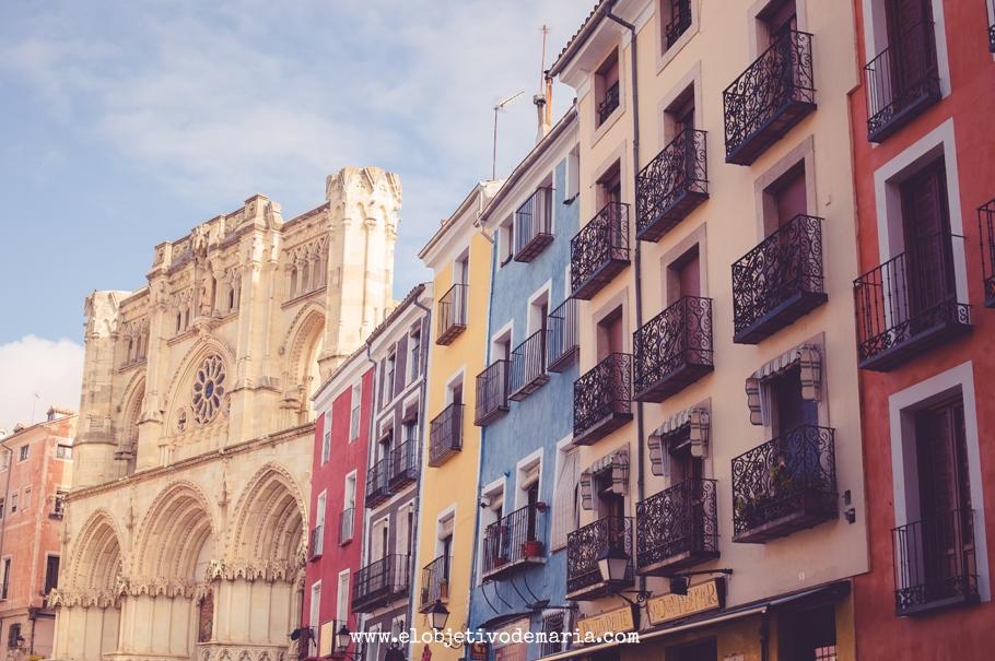 Catedral de Cuenca y sus fachadas de colores