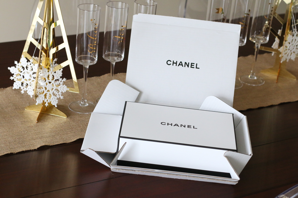 Chanel-Holiday-gifts-makeup-1