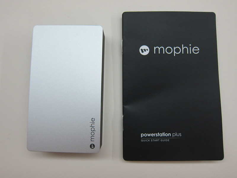 Mophie Powerstation Plus (5,000mAh) - Box Contents