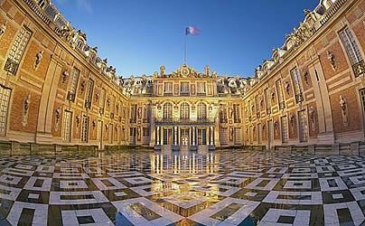 #Travel Place of Versailles golden gate restored...