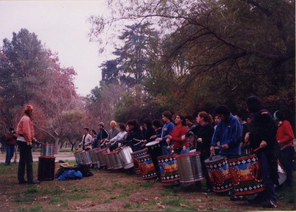 Taller de percusión con tambores de Os Da Quinta