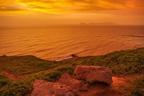 red sky orange naturaleza france beach peru nature beautiful sunshine clouds sunrise landscape spain rocks colombia pretty lima hermoso silhoutte cloudporn miraflores peruvian skylovers