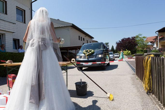 Suechtig_nach_Hochzeit_Absperren 06