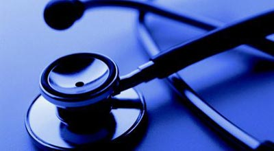 Who regulates admissions to medical schools in Malaysia?