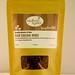RawfoodbyErica posted a photo:BitterSweetRAW CACAO NIBS Raw cacao nibs är den orostade kakaobönan som skalats och krossats i små bitar. Smaksätt raw tryfflar eller snacksbollar. Toppa din raw glass. Eller göra din egen trailmixav pumpakärnor, cacao nibs och gojibär och ha med dig vart du än går.B:TrailmixVariera med andra nötter, frön och torkade bär.1 dl gojibär1 dl kokoschips1 dl pumpakärnor 1⁄2 dl kakao nibsBlanda ingredienser. Förvara i en burk eller i en påse och ha med i din väska för snabb energi.