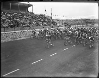 08-07-1949_06411A Wielrennen op circuit Zandvoort