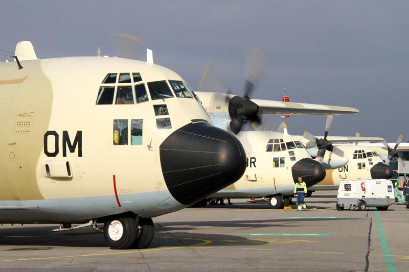 FRA: Photos d'avions de transport - Page 20 15466244918_5e98a59576_o