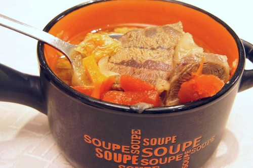新國際西餐廳_番茄牛肉清湯