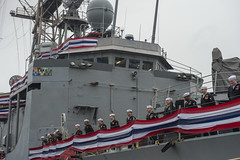 USS Rodney M. Davis (FFG 60) crew members man the rails during the ship's decommissioning ceremony. (U.S. Navy/MC3 Caleb Cooper)