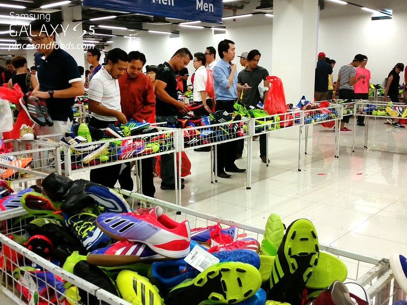 adidas year end warehouse sale viva expo hall 2014 shopping shoes