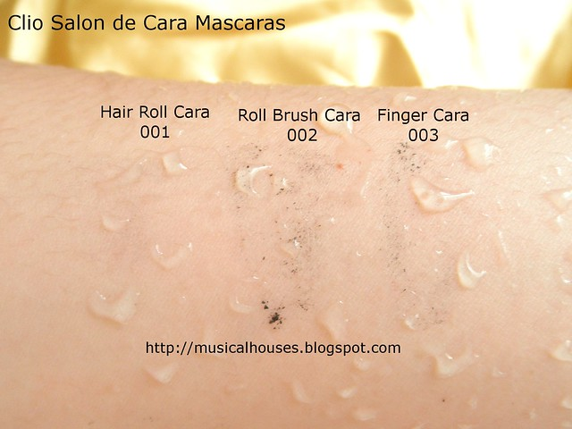 Clio Salon de Mascara Hair Roll Brush Finger Cara Water Smudge Test