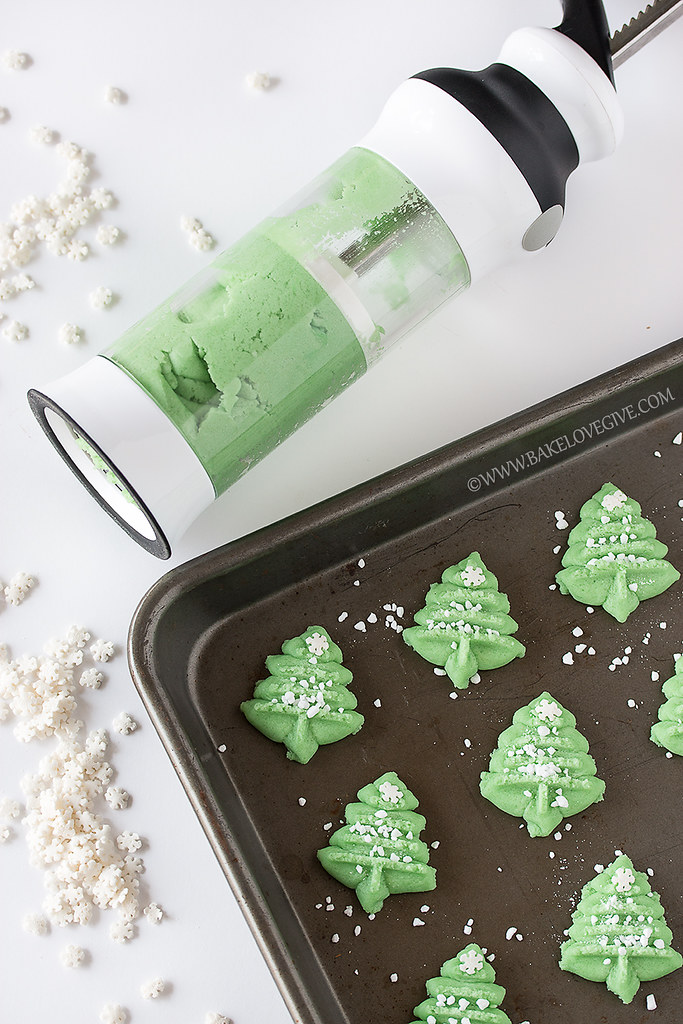 Almond Spritz Cookies & 100 of the best cookie recipes for Christmas | PasstheSushi.com