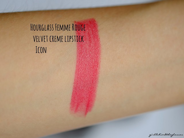 Hourglass Femme Rouge Velvet Creme Icon Lipstick swatch