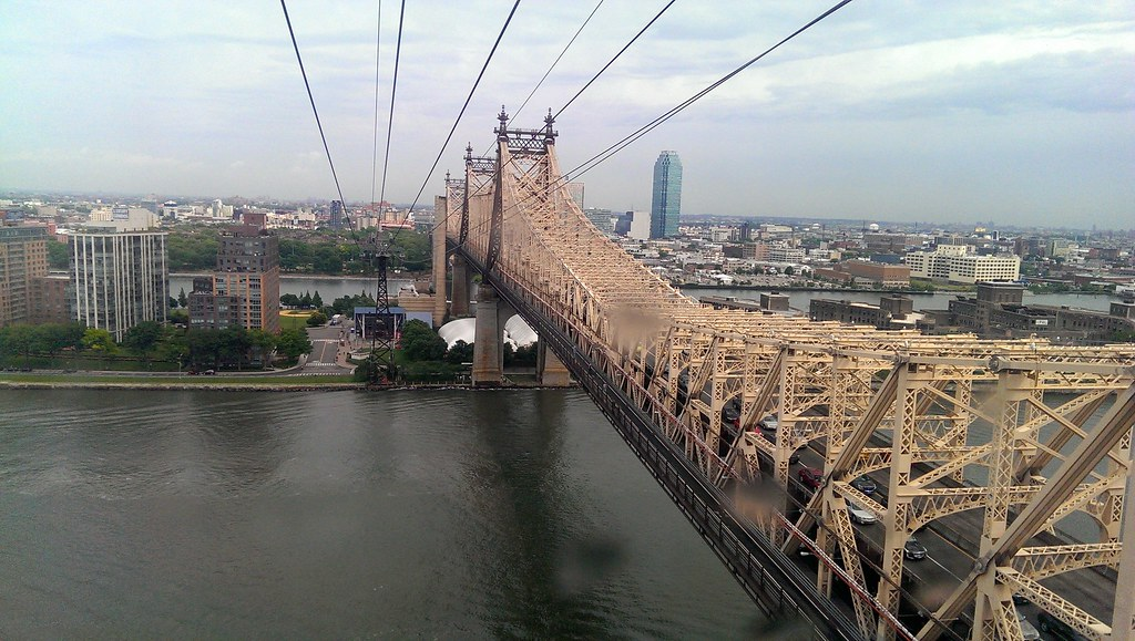 Roosevelt Island Tram - Ed Koch Queensboro Bridge