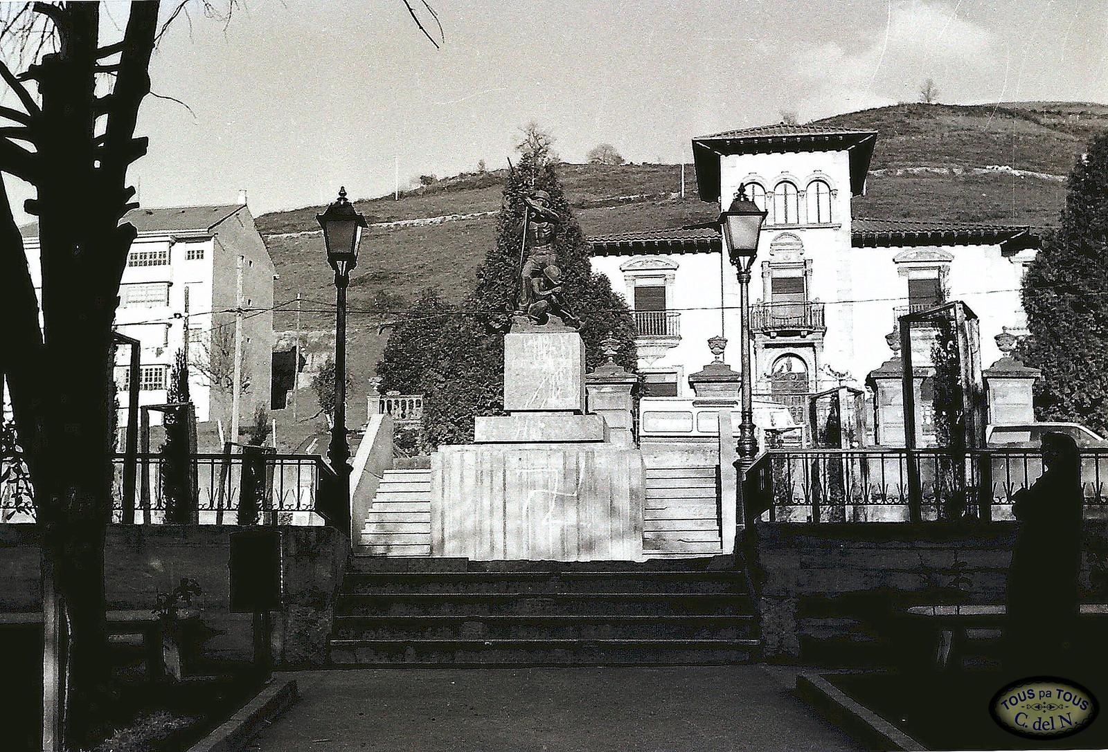 1985 - Monumento a los mineros (1)