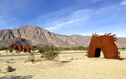 art metal desert sculptures dinosaurs estates borregosprings galletameadows ricardobreceda