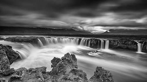 travel viaje sky bw naturaleza white black byn blanco nature water clouds landscape waterfall iceland islandia agua nikon scenery cloudy negro north paisaje location bn cielo nubes gods destination nublado northern destino catarata norte cascada waterscape godafoss d600 dioses localización 1424