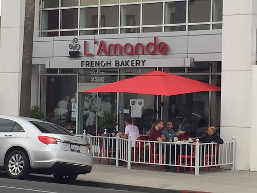 L'Amande French Bakery