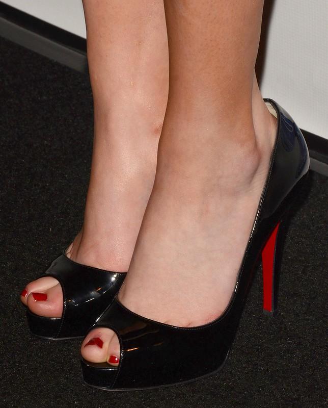 Feet & Shoes (3415)