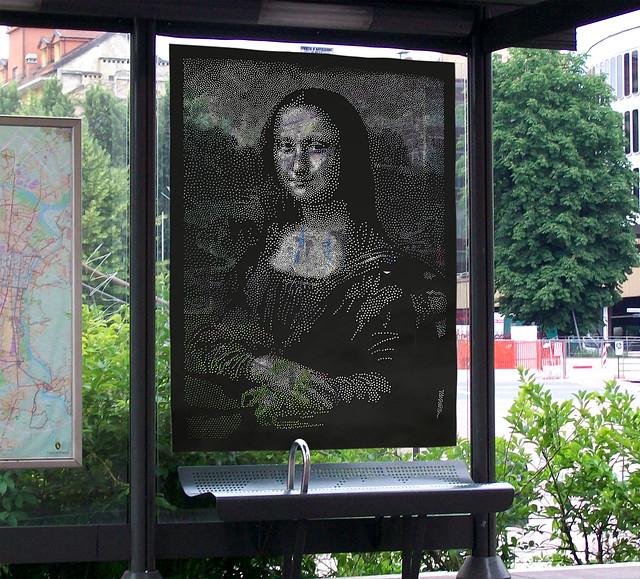 4gioconda9 fotomontaggio fermata bus