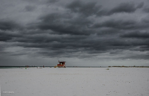beach weather clouds quiet florida sarasota bestshot starmandscircle lidobeach nikond7000 afsnikkor18105mm13556g bgdl lightroom5 captureyour365 cy365 flickrlounge