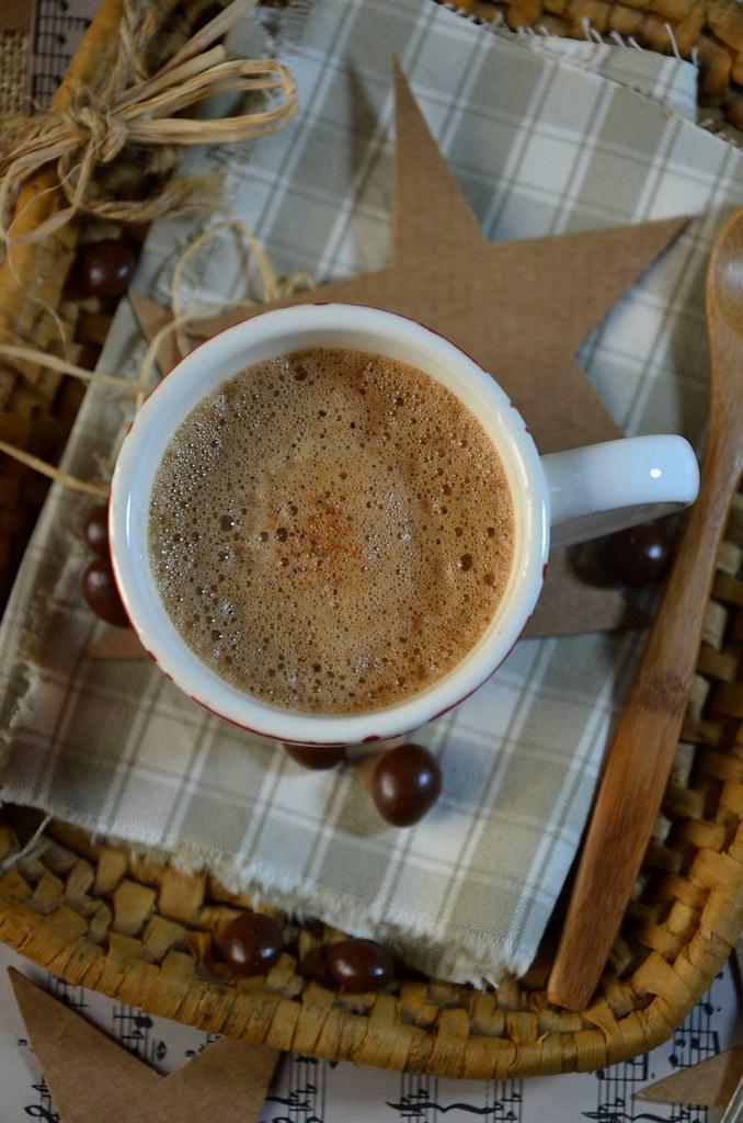 Smoothie chocolat-café au lait d'amande