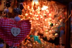 Weihnachtsstand mit Herzchen