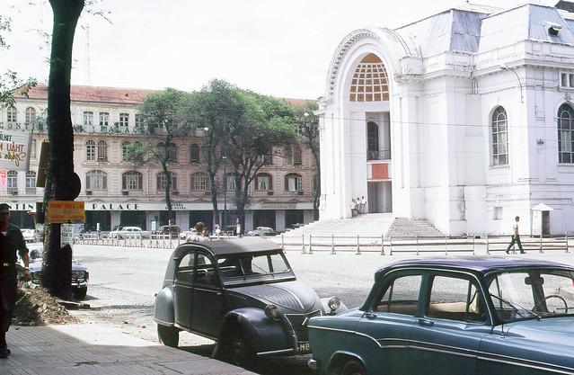 SAIGON 1967-68. Photo by Peter Stevens