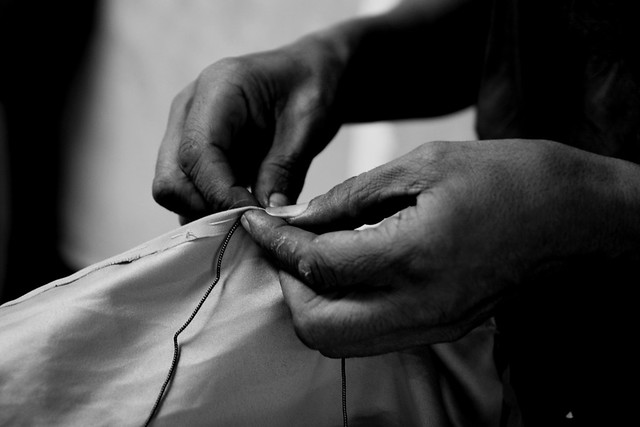 RedArt photographer - the hands of the embroiderer