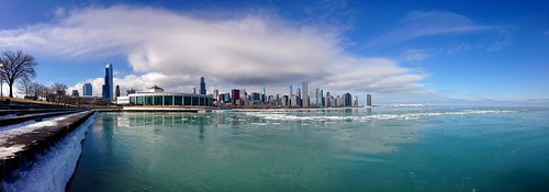 winter lake chicago ice lakemichigan lakeshore lakefront sheddaquarium pw adlerplanetarium iceblocks