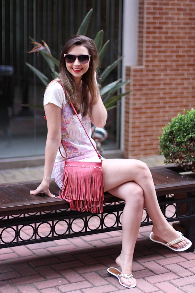 02-look-saia-rosa-e-tshirt
