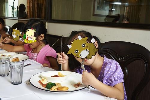 高雄新國際西餐廳 小朋友的西餐禮儀教學活動 (13)