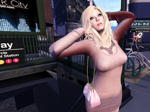 Shopping in the City 1