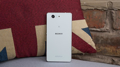 sony-xperia-z3-compact-back