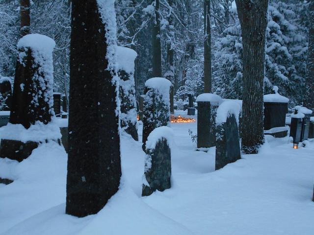 Luminen Ahveniston hautausmaa A 25.12.2014 Hämeenlinna