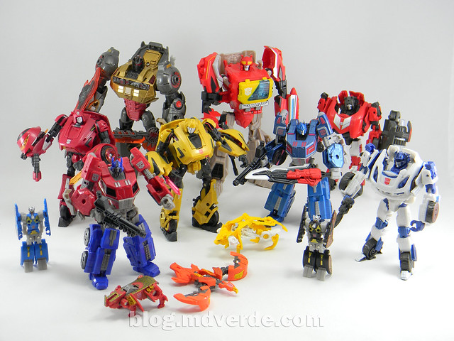 Transformers Grimlock Voyager - Transformers Generations Fall of Cybertron - modo robot vs otros Autobots