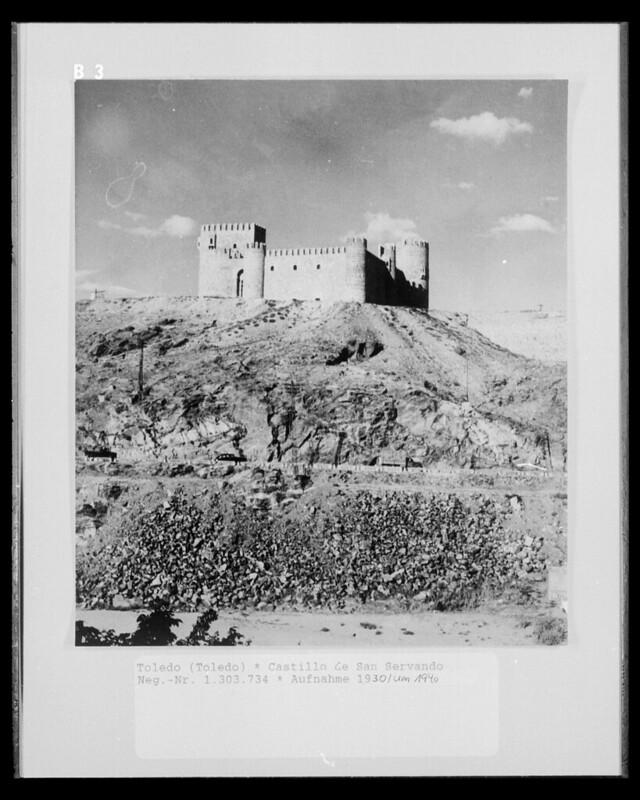 Castillo de San Servando en 1952. Fotografía de Erika Groth-Schmachtenberger