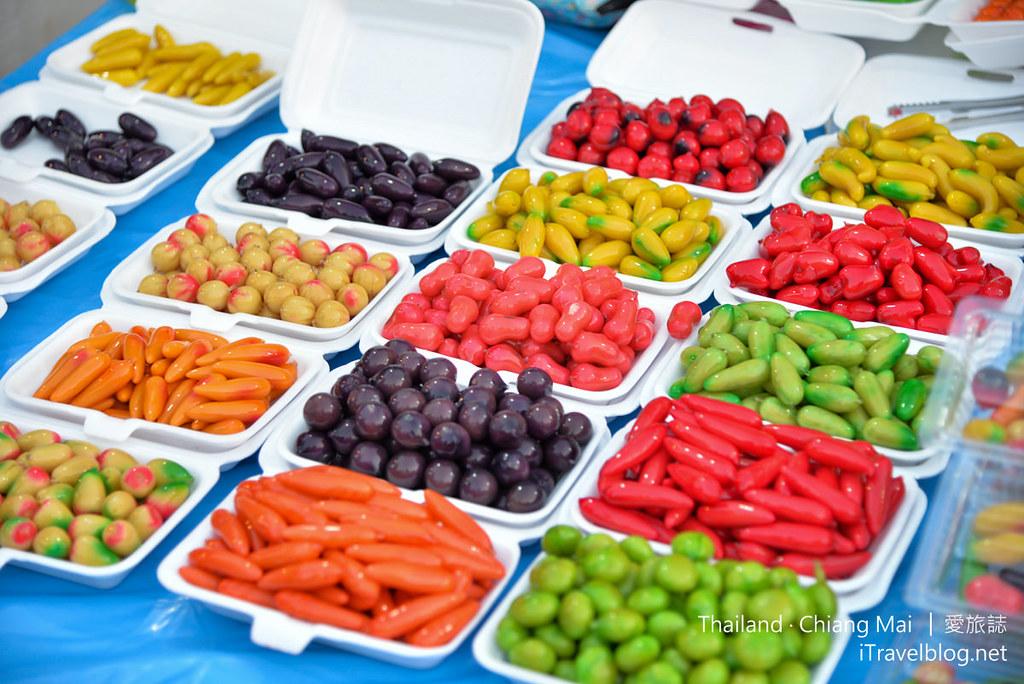 Wualai Road Saturday Night Market 清迈周六夜市03_mini