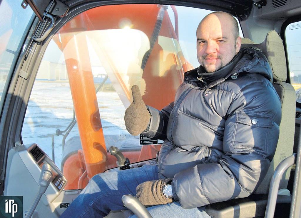 Сергей Рыбин управляет Doosan DX225