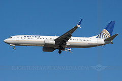 United Airlines Boeing 737-924/ER N34460