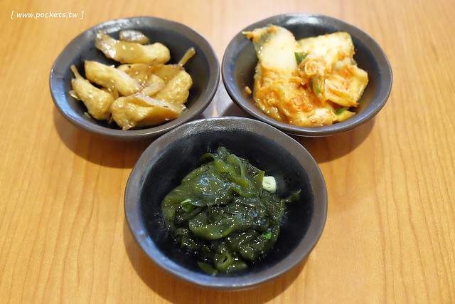 28835507420 abb51728de z - 金美子純正韓式料理:有台中少見的馬鈴薯鍋,餐點平價選擇性多,適合三五好友和家庭用餐