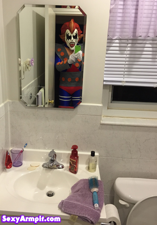 demonbathroomselfie