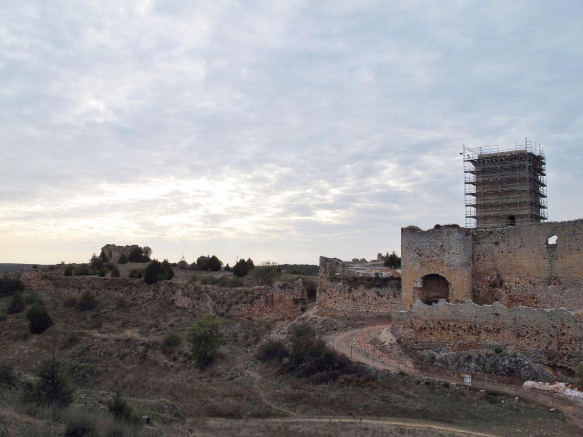 castillo ucero_soria_visita monumentos restauracion_antiguo pueblo ucero_siglo XIII_iglesia