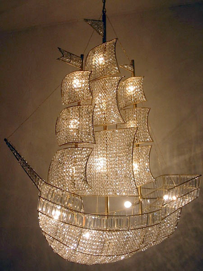 Love Them Or Hate Them 12 Cool And Bizarre Chandeliers