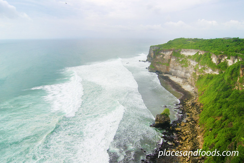 uluwatu cliff sea view