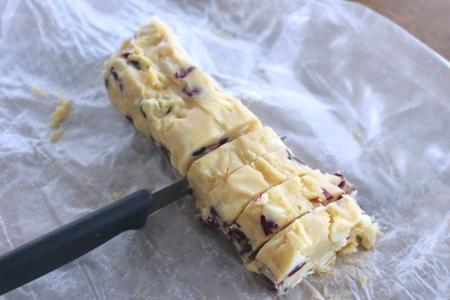 white-chocolate-cranberry-cookies-freezer-slice-and-bake